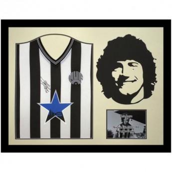 Słynni piłkarze koszulka w antyramie Newcastle United FC Keegan 1984 Signed Shirt Silhouette