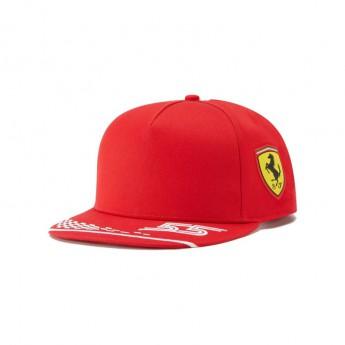 Ferrari dziecięca czapka flat Carlos Sainz F1 Team 2021